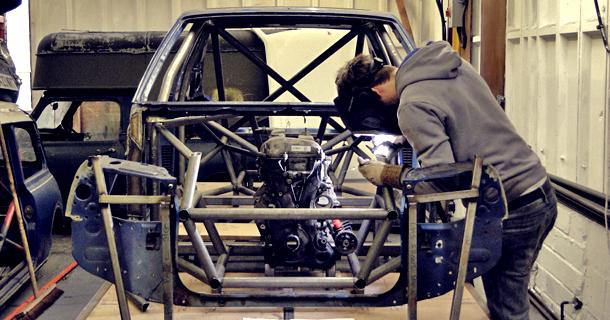 Monstru Virstantis Peugeot 205 Automanas Lt