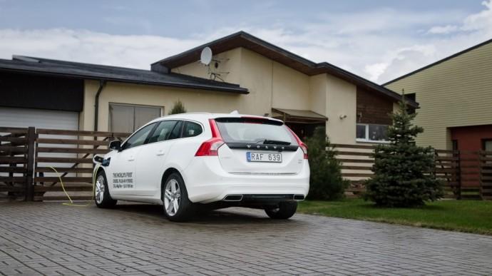volvo-v60-plug-in-hybrid-efektyvesnis-ir-pranasesnis-uz-visus-hibridinius-automobilius1