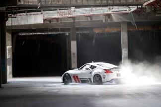 Turbūt pats geriausias vaizdo klipas, kuriame automobiliai slysta šonu