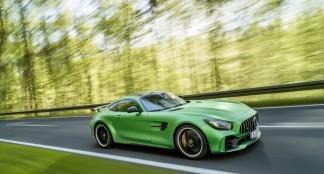 """Mercedes-AMG GT R"" : Mažiau svorio, daugiau galios"