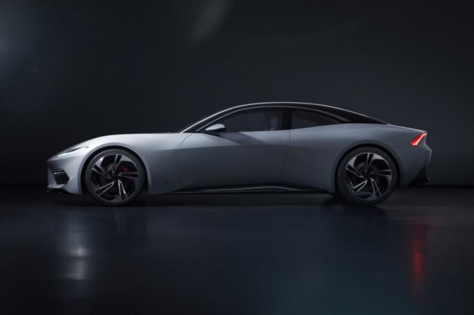 Pininfarina sukurtas Karma GT