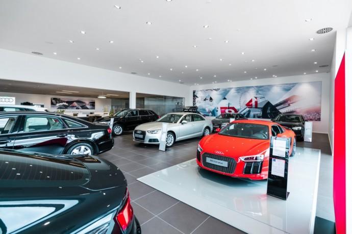 Audi-salonas-W40