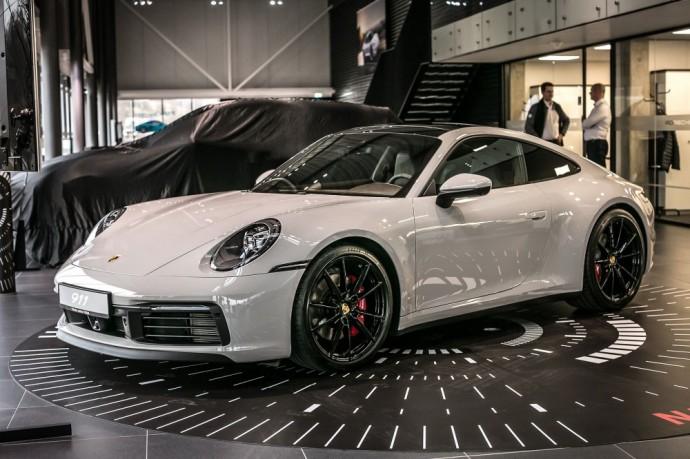 Į Vilnių atvykęs naujos kartos Porsche 911