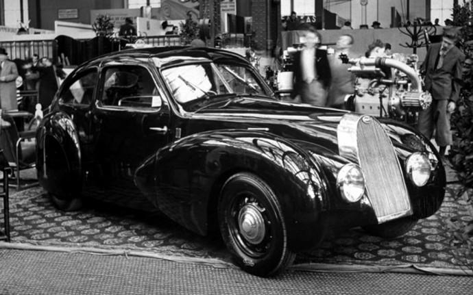 Bugatti Type 73 Paryžiaus automobilių parodoje