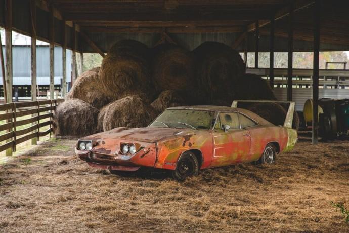 """Pašiūrėje surastas """"Dodge Charger Daytona"""""""