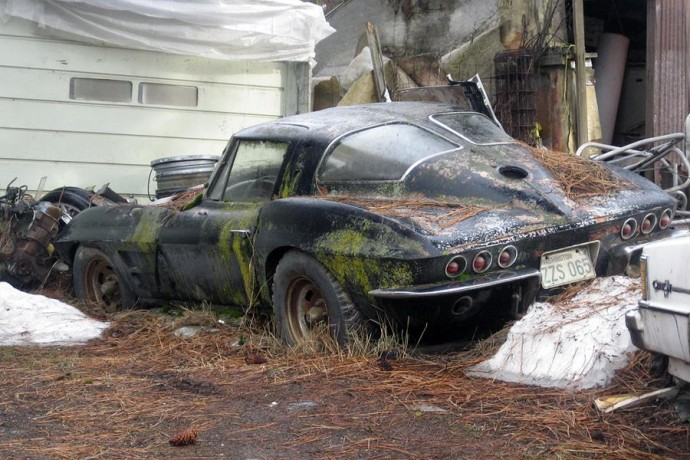Gatvėje pamesta Chevrolet Corvette