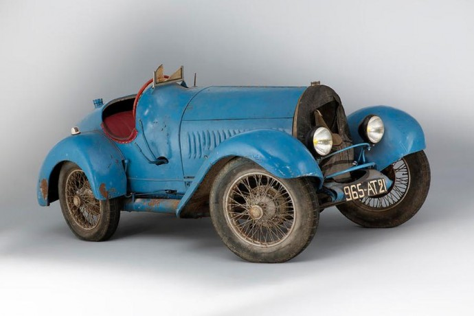 1925 metais pagaminta Bugatti