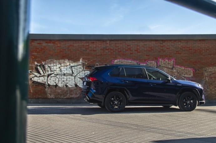 Naujos kartos Toyota RAV4 testas