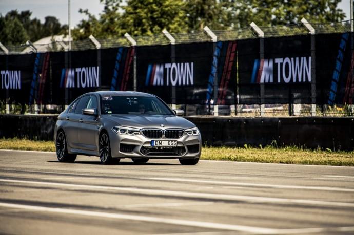 """BMW """"Bikernieki"""" lenktynių trasoje"""