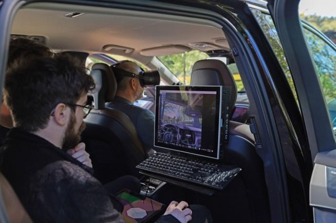Volvo naudos virtualios realybės akinius