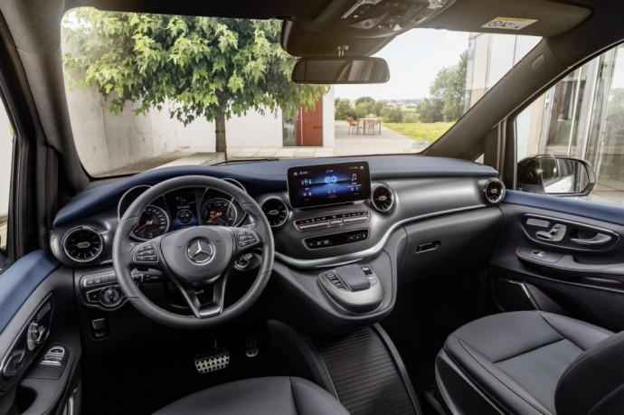 "Elektrinis ""Mercedes-Benz EQV"" furgonas"