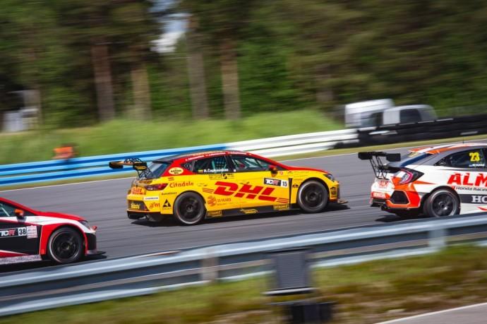 DHL Racing komandos automobilis