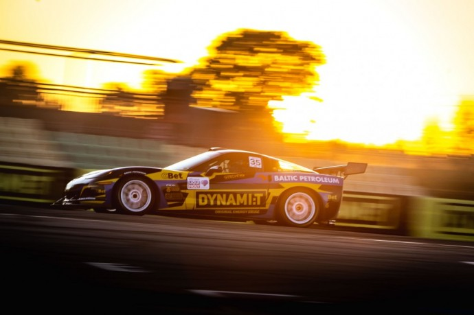 Dynami:tkomandos automobilis