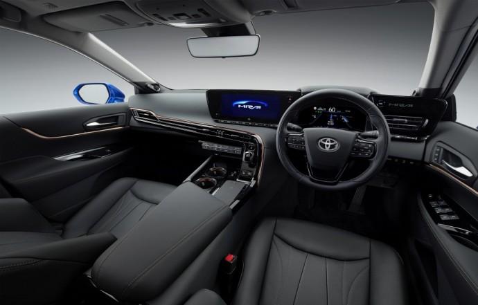 Vandeniliu varomas Toyota Mirai