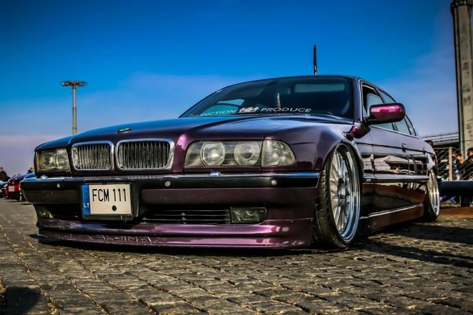 Adomo 7 serijos BMW