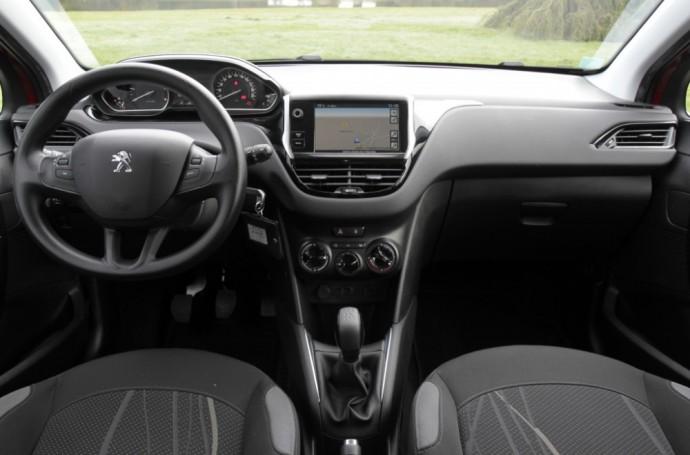Pirmos kartos Peugeot 208