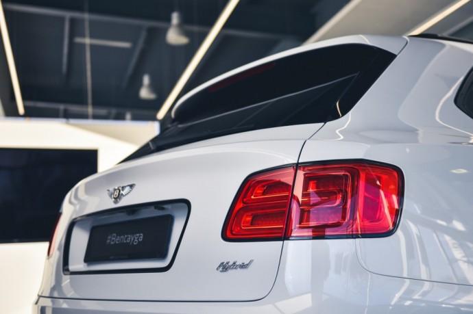 Hibridinis Bentley Bentayga