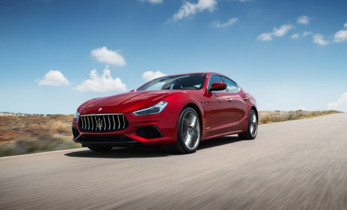 Maserati Ghibli sedanas