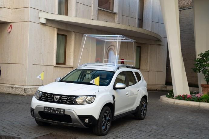 Renault dovana popiežiui