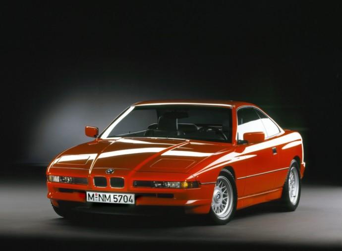 12-os cilindrų variklį turintis BMW 850i