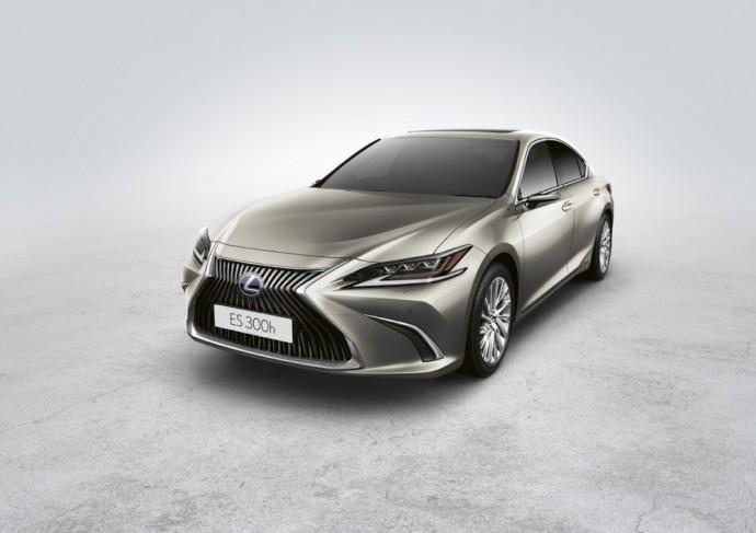 Lexus ES sedanas