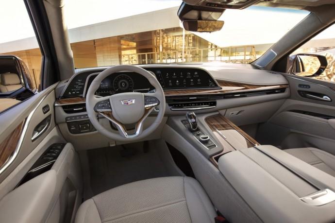 Cadillac Escalade interjeras
