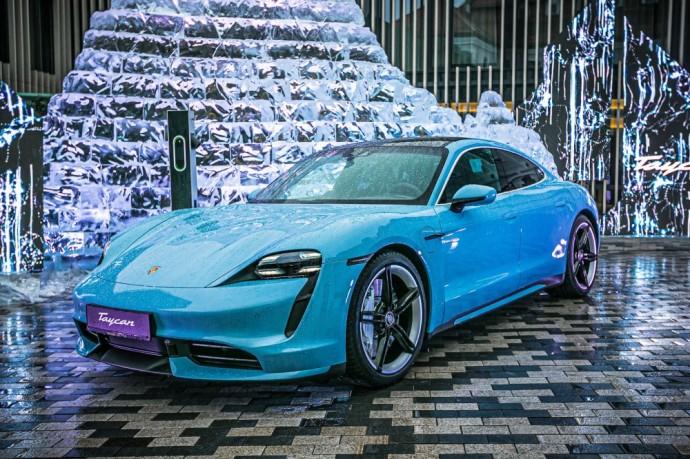 Elektrinio Porsche Taycan pristatymas Vilniuje