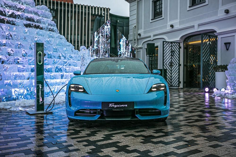 "Tarp populiariausių – ""Porsche Taycan"""