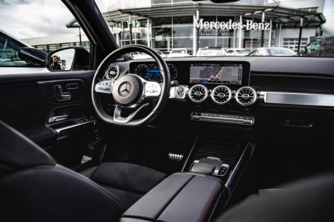 Septynių vietų Mercedes-Benz GLB krosoveris