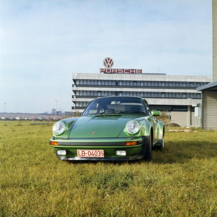 Pirmoji Porsche 911 Turbo karta