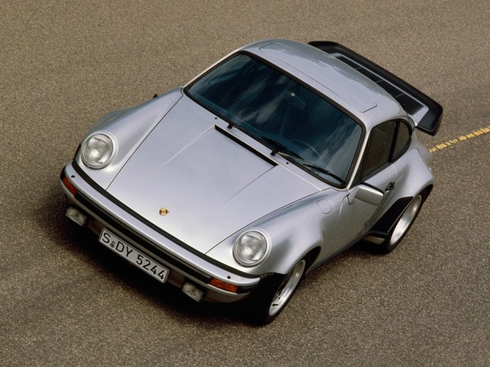 Atnaujinta Porsche 911 Turbo 3.3