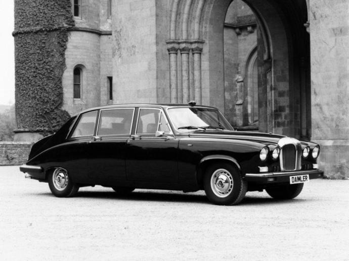 Fredžiui Merkuriui priklausęs Daimler DS240 limuzinas
