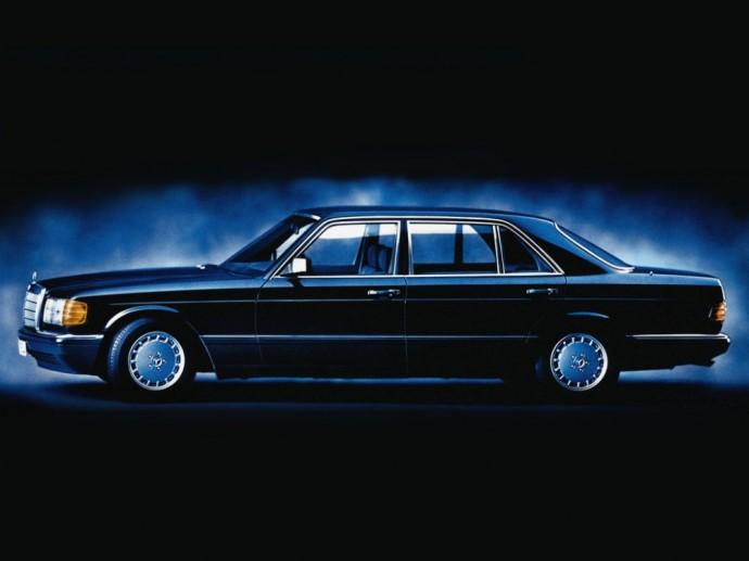 Fredžiui Merkuriui priklausęs Mercedes-Benz 420 SEL (W126)