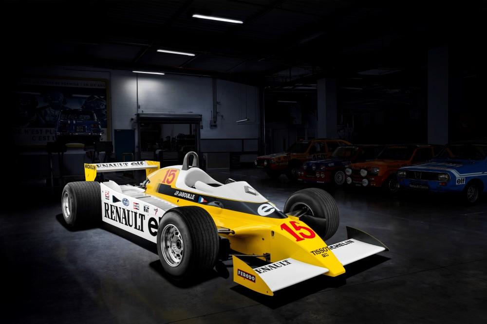 """Buvęs """"Renault"""" vadovas įvardijo pagrindinį skirtumą tarp M.Schumacherio ir L.Hamiltono karjerų"""