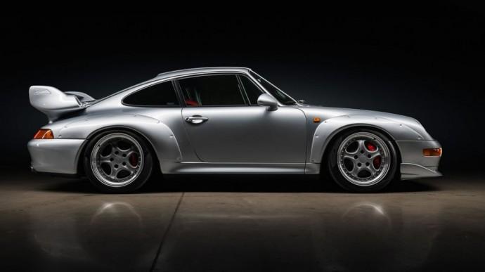 Aukcione parduodamas Porsche 911 GT2 (993 kartos)