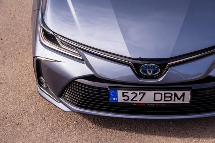 Toyota Corolla 1.8 Hybrid Luxury Plus