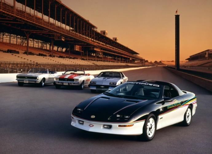 Keturios Chevrolet Camaro kartos