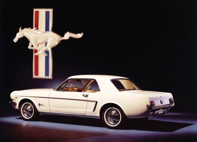 Pirmos kartos Ford Mustang