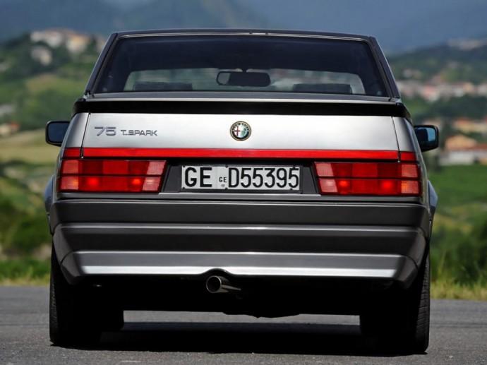 Alfa Romeo 75 2.0i T.Spark