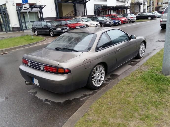 Gatvėje užfiksuotas Nissan S14