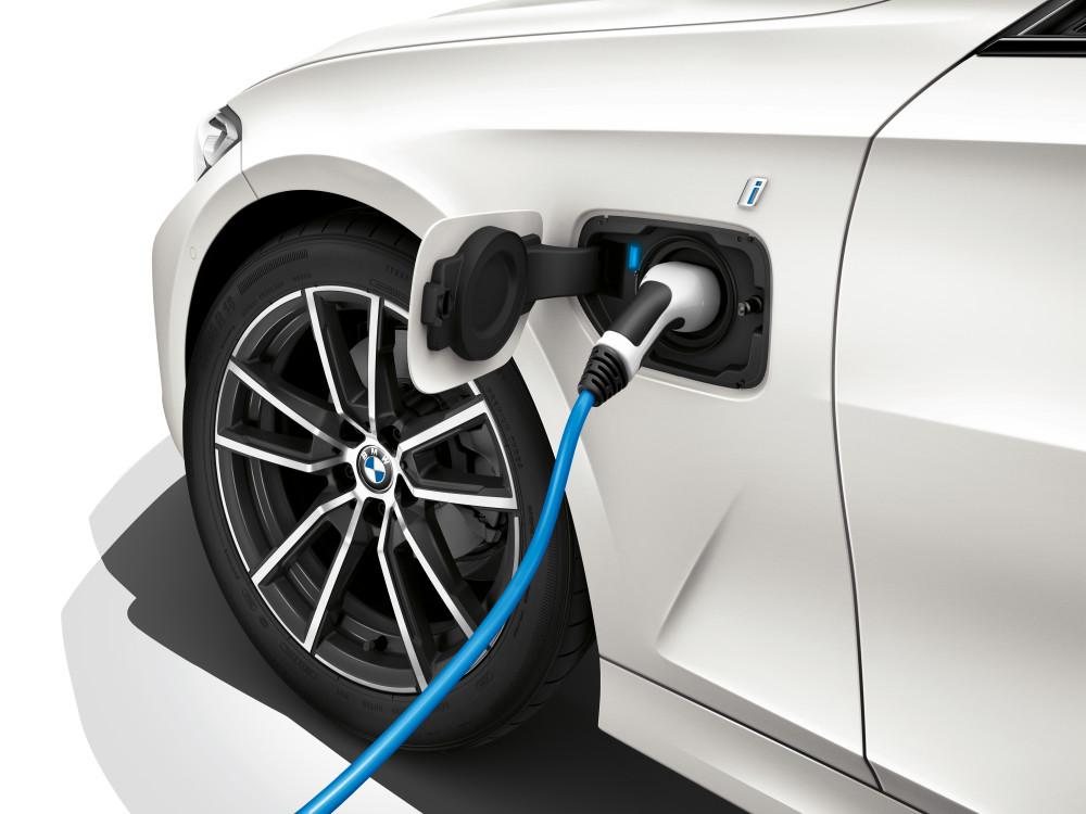 Beveik elektromobiliai, tik praktiškesni