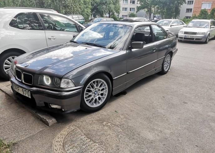 Autobilis.lt platformoje parduodamas BMW
