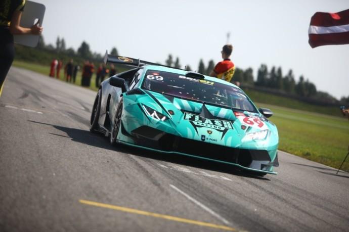 """""""Flash Racing Latvia"""" komanda su """"Lamborghini Huracan"""""""