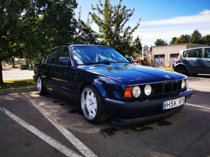 Autobilis.lt portale parduodamas BMW