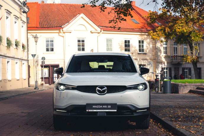 Pirmąjį elektromobilį – MX-30, o šiandien jį jau galima išbandyti Lietuvoje