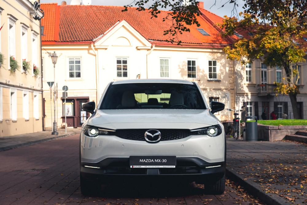 """Ekologiška """"Mazda"""" atvyko"""