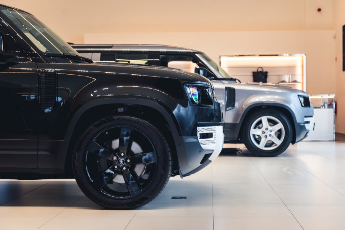 Į Vilnių atvykęs Land Rover Defender 90