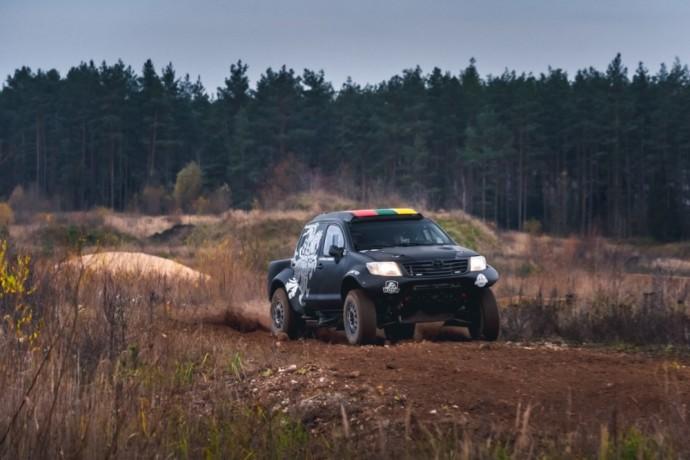 "Benedikto Vanago atstovaujama komanda ""Inbank Toyota Gazoo Racing Baltics"""