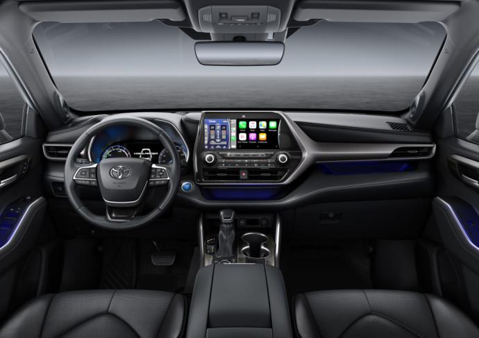 New generation hybrid Toyota Highlander SUV