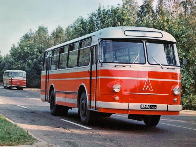 LAZ-695 Lvov (1969)